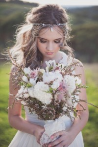 get-inspired-25-pretty-spring-wedding-flower-ideas-384-int